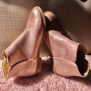 Girls metallic rose pink cat and jack boots Size 3
